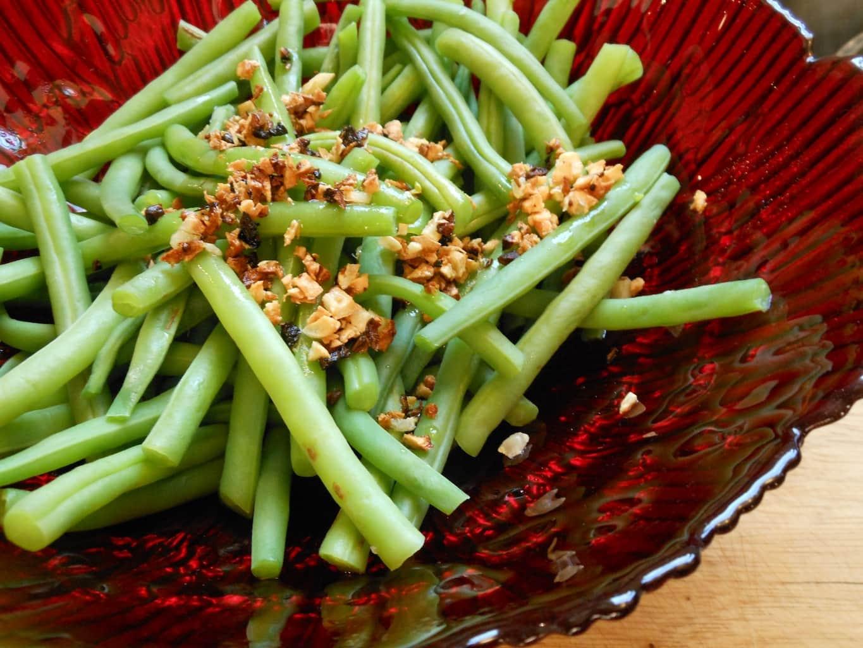 garlicky green beans - Sugar Dish Me