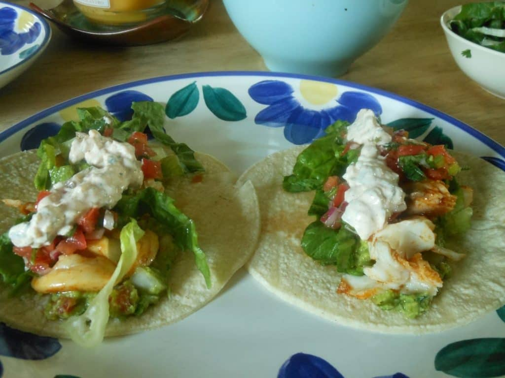 Spicy fish tacos with cilantro lime cream for Spicy fish tacos