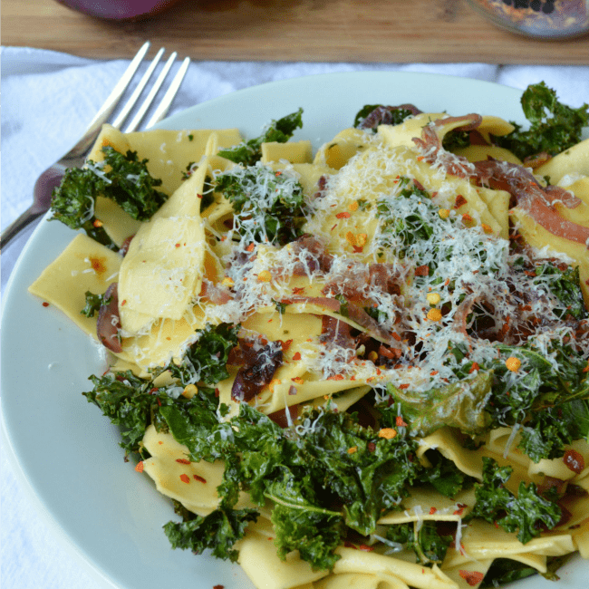 Crispy Kale and Caramelized Onion Pasta