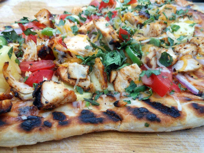 Grilled BBQ Chicken Pizza - Sugar Dish Me