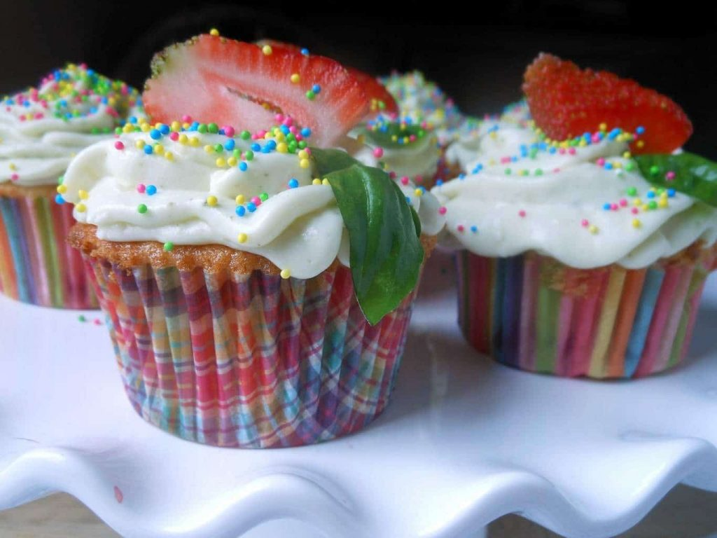 Fresh Strawberry Cupcakes with Whipped Basil Cream Cheese
