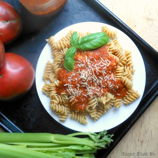Homemade Tomato Sauce with Fresh Tomatoes