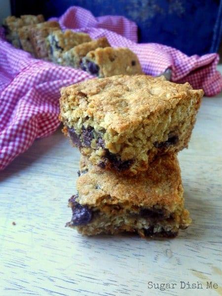 Raisinet Oatmeal Cookie Bars