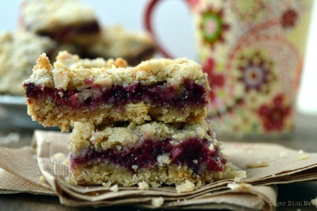 Oatmeal Berry Bars with Crumble Topping
