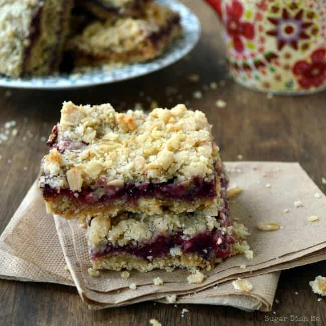 Berry Crumb Bars with an Oatmeal Crust