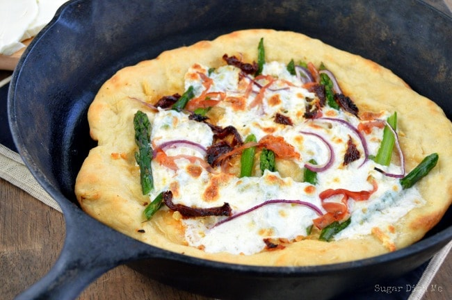 Asparagus Pizza with Sun Dried Tomatoes and Asparagus