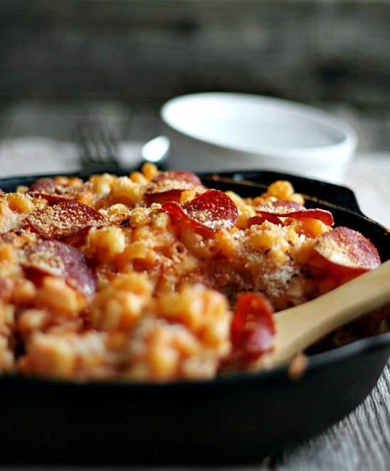 Skillet Mac 'n' Cheese Pizza Style via Heather's French Press