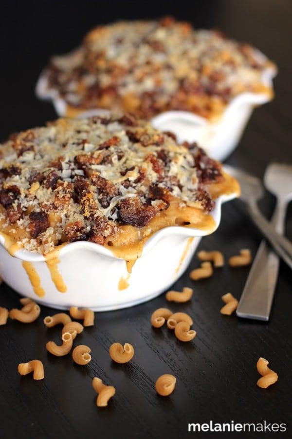 Bacon Crusted Beer Mac n Cheese via melanie Makes on Meal Plans Made Simple