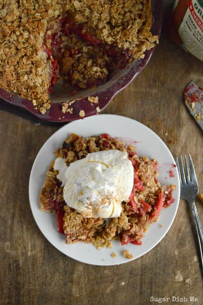 Pie with Oatmeal Cookie Topping