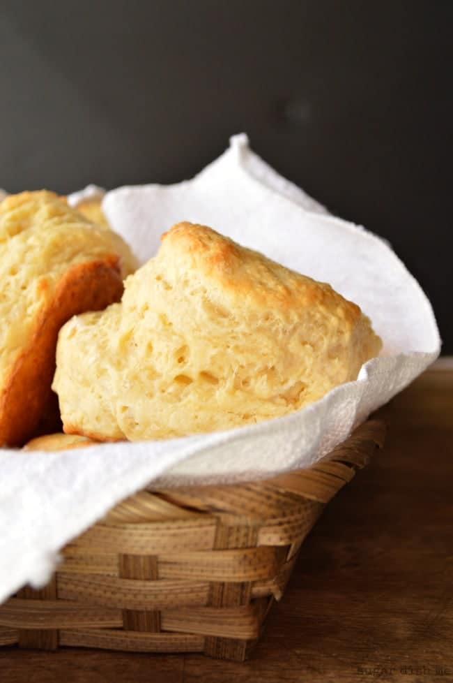 Skinny Biscuit Recipe with Greek Yogurt