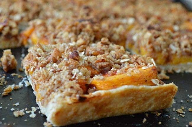 Peach Crumble Pie Bars - Sugar Dish Me