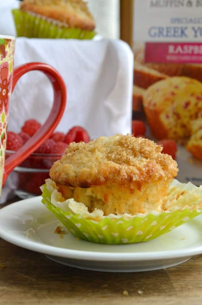 and dotted with raspberries! Easy Raspberry Muffins with Greek Yogurt ...