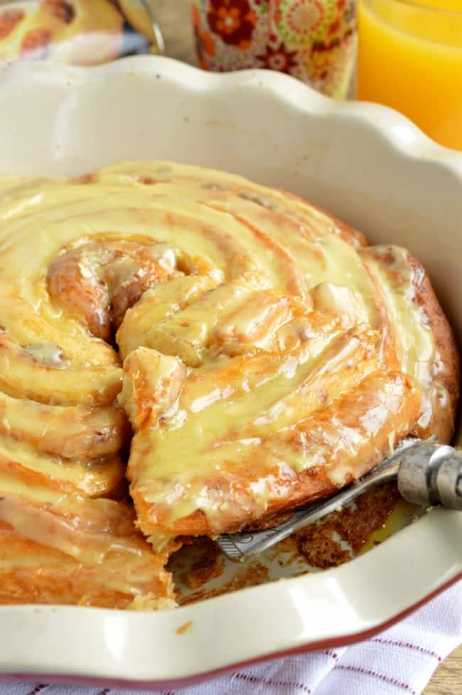 Easy Sweet Roll Pie Recipe