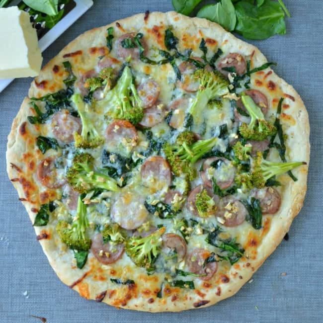 Chicken sausage and Spinach Pizza with Garlic and Broccoli