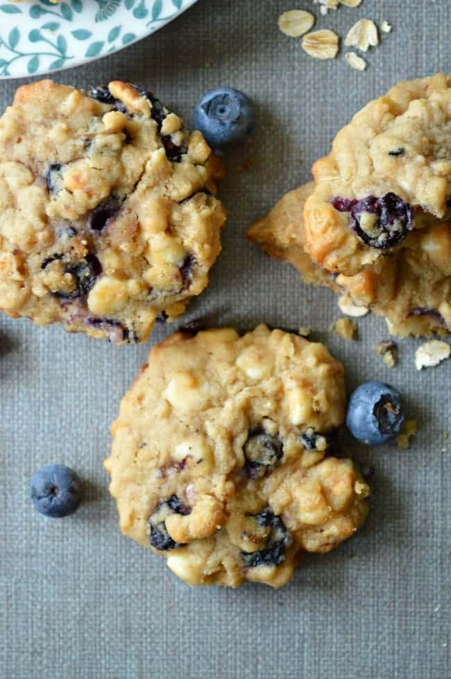 Oatmeal Cookies with Fresh Fruit