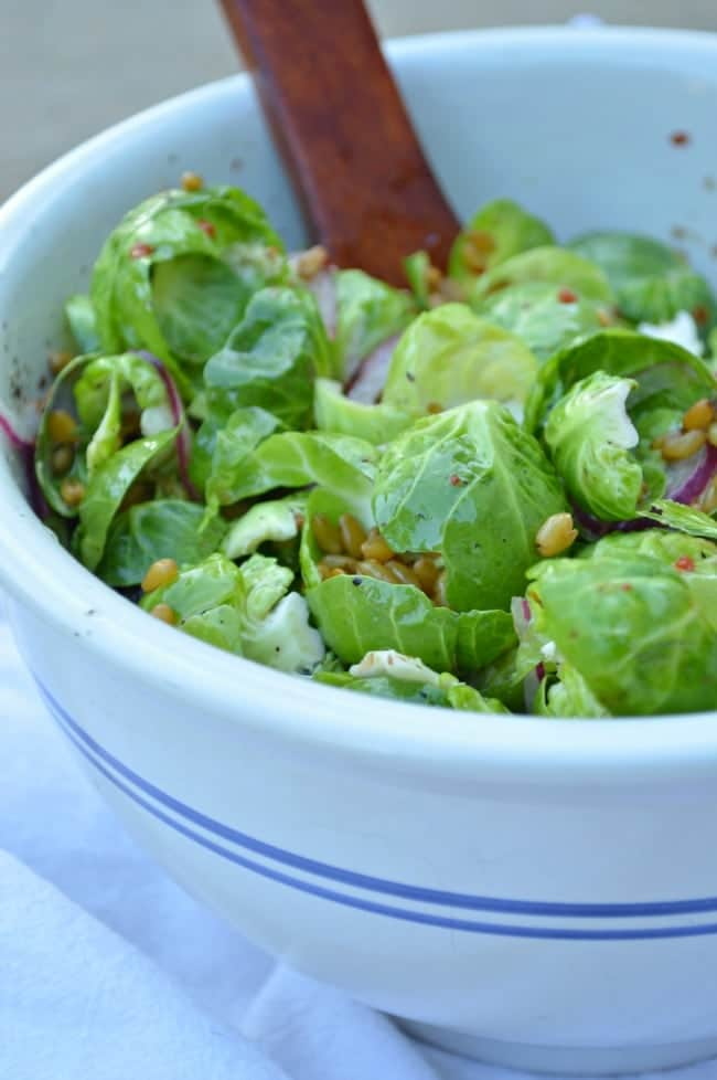 Brussels Sproutsalad with Farro and Walnuts